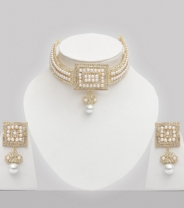 Golden Choker Necklace With Stones & Pearls
