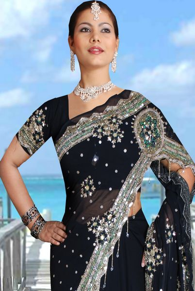 65222bd702 Saree With Butterfly Style Pallu & Pearl Danglers : Online Shopping ...